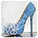 蓝色的高跟鞋