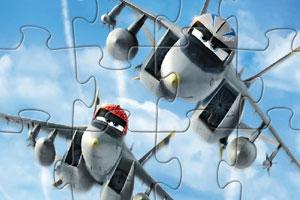卡通飞机飞行
